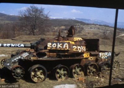 BOSNIA tank distrutto